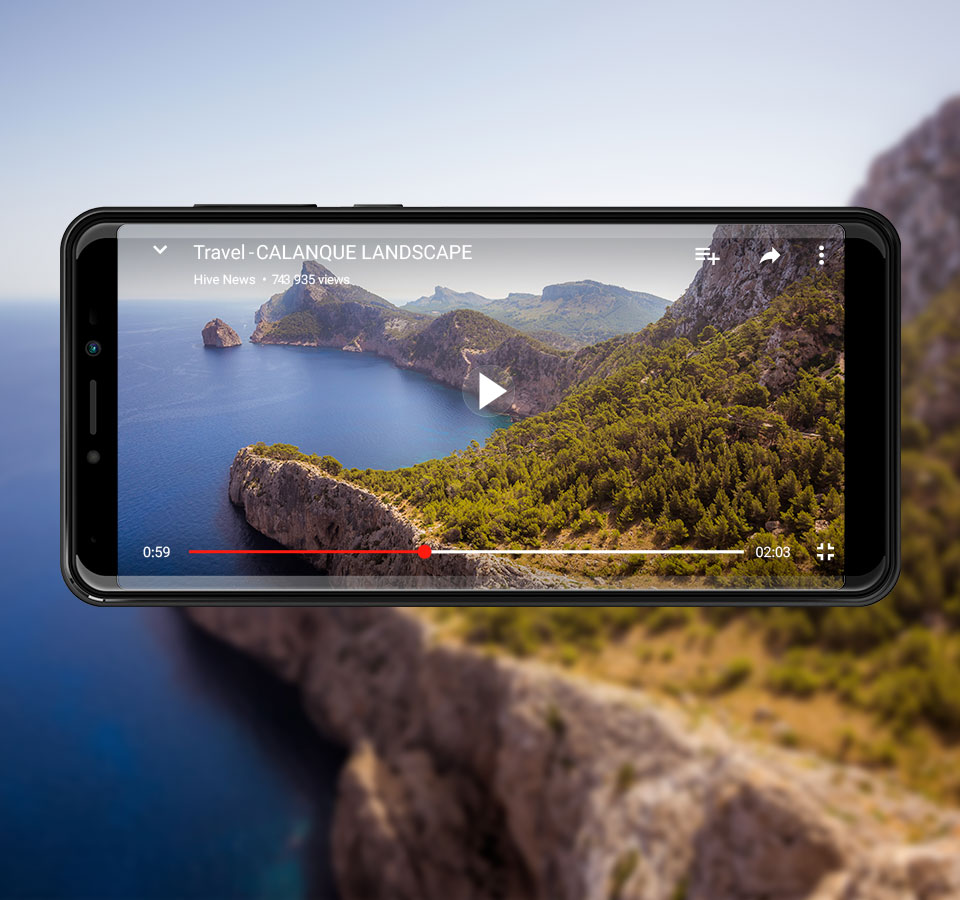 Harry 2 displaying its wide screen while filming a sea coast landscape